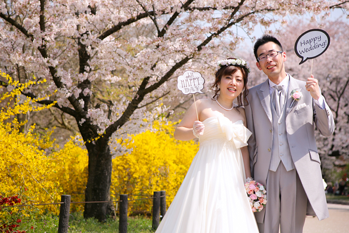 結婚式前撮り京都 フォトプロップスを使って撮影
